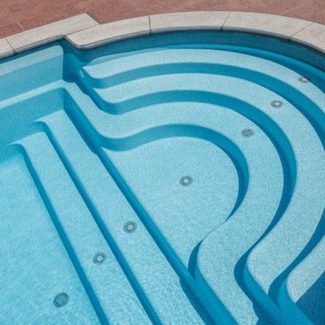 Композитная полукруглая лестница в бассейне Java 125 | Цвет Blue Saphire