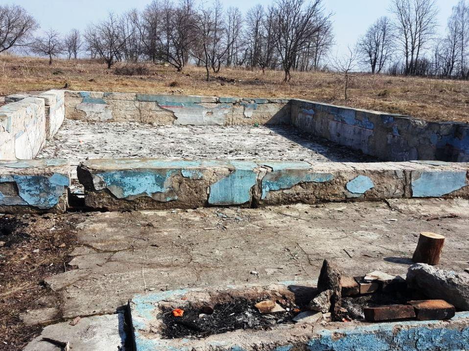 Старый советский бассейн