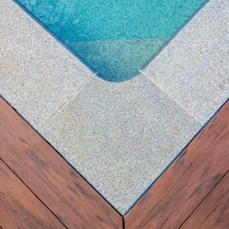 Копинговый камень для бассейна Briliant 52 | Цвет Smokey Quartz
