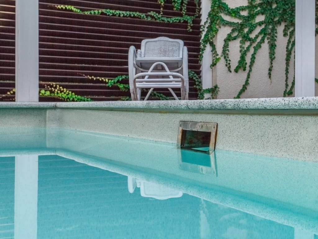 Скиммер для композитного бассейна с углом наклона 6 гр.