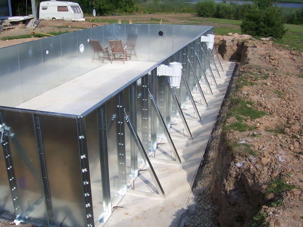 Установка скиммеров в панельный бассейн из стали